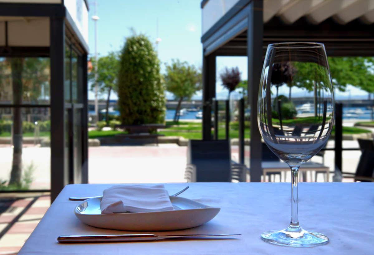 Terraza restaurante Horizon de Castro Urdiales